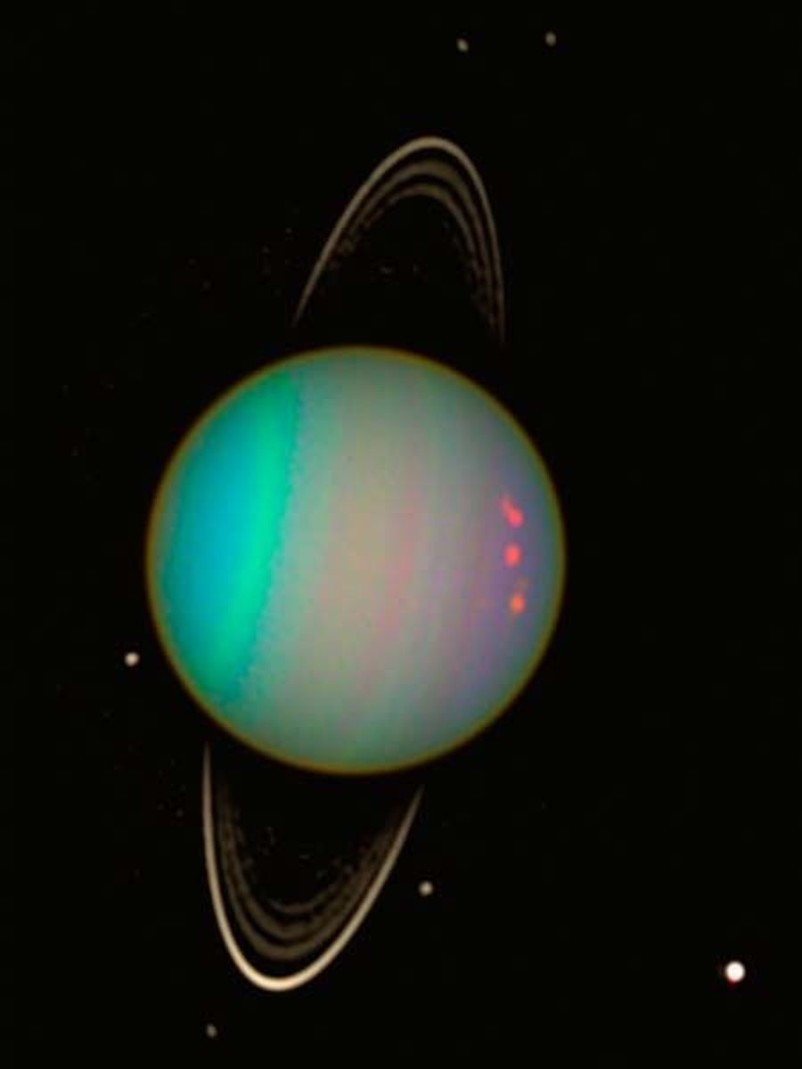 uranus-by-hubble